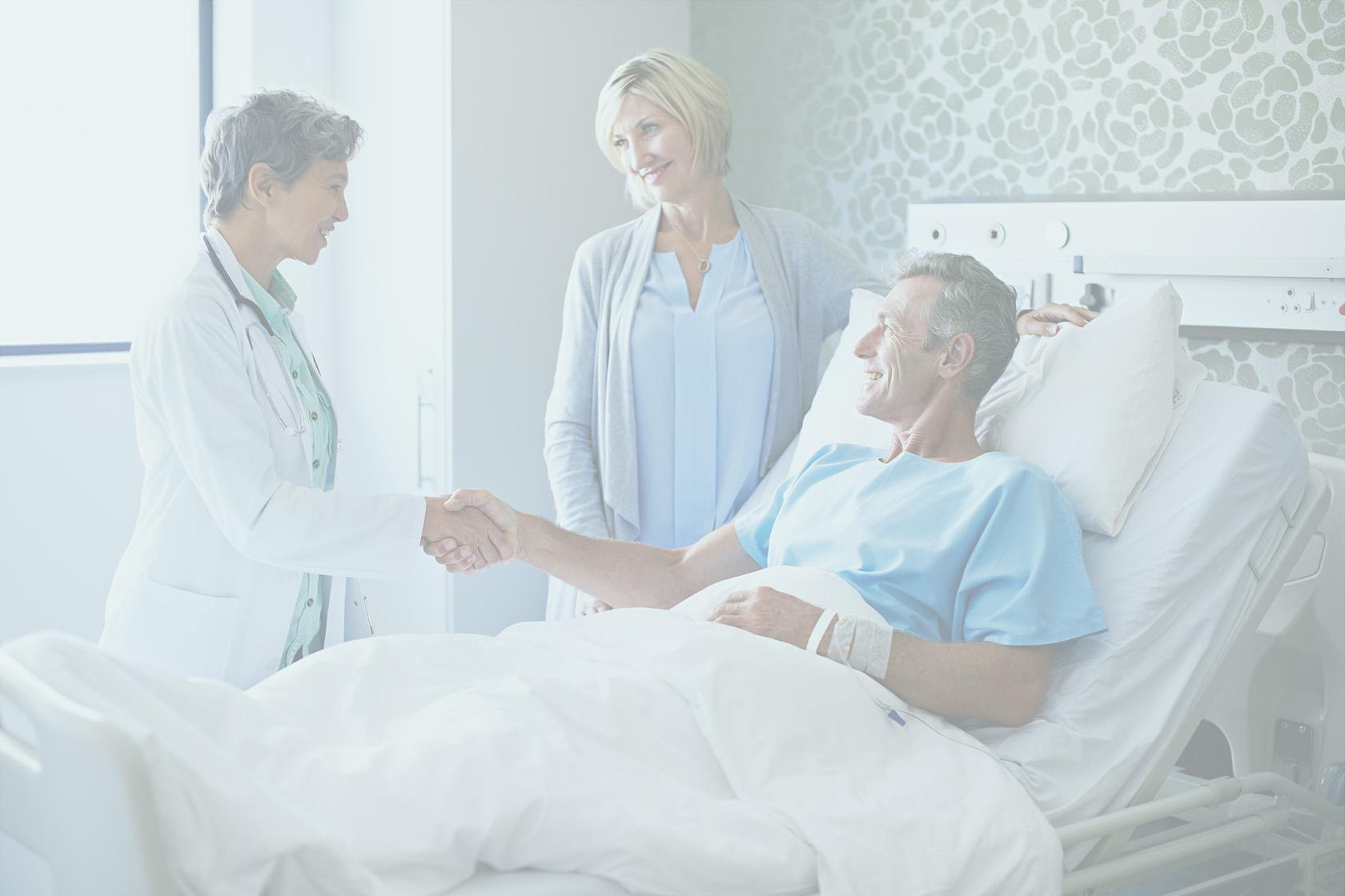 Patients dans un lit de clinique